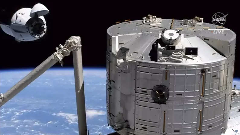 NASA:SpaceX差點撞上不明物體 最近距離僅45公里