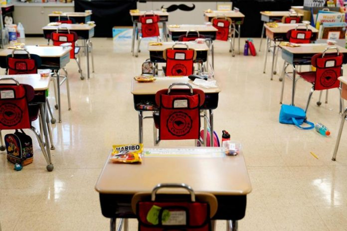 CDC:接种疫苗的老师和学生不需戴要口罩